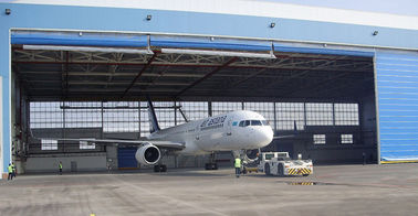 Cina Single Bay PEB Steel Aircraft Hangars With Electrical Roll-up Doors pemasok