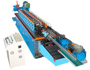 Cina 15KW Hat Channel Cold Rolling Machine Dengan Cr 12 Blade Hydraulic Cutting pemasok