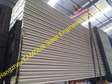 Warna Baja Poliuretana Sandwich Metal Roofing Sheets Board Isolasi